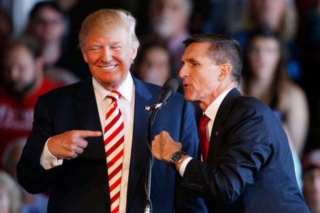 Tổng thống Mỹ Donald Trump và tướng Michael Flynn (Ảnh: Getty)
