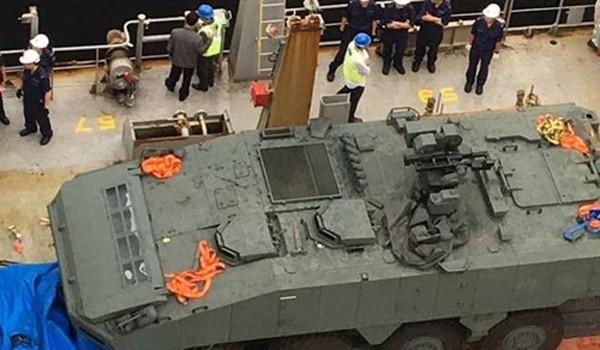Xe bọc thép Terrex của lực lượng vũ trang Singapore bị thu giữ tại Hong Kong. Ảnh:Reuters
