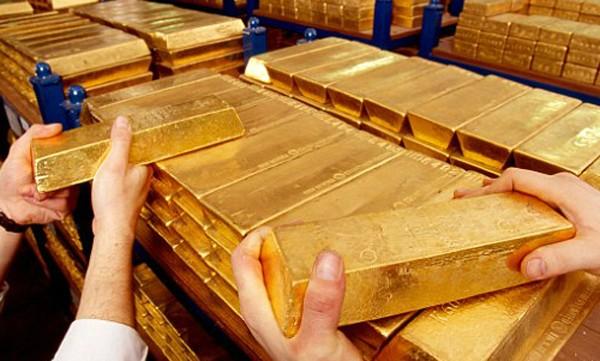 Giá vàng thế giới đi xuống.