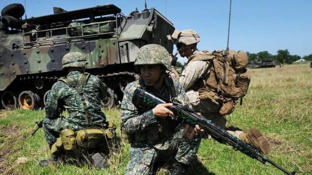 Các binh sĩ trong một cuộc tập trận chung Mỹ - Philippines (Ảnh: Getty)