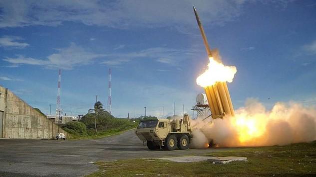Hệ thống phòng thủ tên lửa tầm cao giai đoạn cuối THAAD (Ảnh: Reuters)