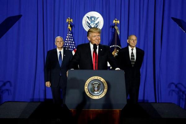 Tổng thống Trump sẽ thực thi chính sách chống chủ nghĩa Hồi giáo cực đoan. Ảnh:Reuters