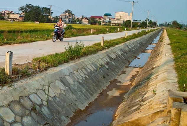 Đoàn kiểm tra đã phát hiện một số dự án trên địa bàn tỉnh Hải Dương chưa đăng tải thông tin đấu thầu theo quy định. Ảnh: Tiên Giang
