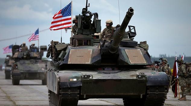 Xe tăng chiến đấu của quân đội Mỹ (Ảnh: Reuters)