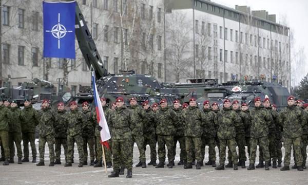 Lực lượng NATO do Mỹ dẫn đầu đến Litva ngày 7/2. Ảnh:Reuters.