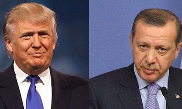 Tổng thống Mỹ Donald Trump, trái, và người đồng cấp Thổ Nhĩ Kỳ Erdogan. Ảnh:Pappastpost