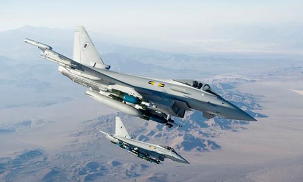 Chiến đấu cơ Typhoon thuộc Không quân Hoàng gia Anh. Ảnh:eurofighter