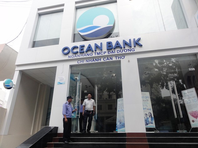 19 doanh nghiệp thừa nhận có nhận tiền lãi ngoài mà Oceanbank chi trả. Ảnh: Mai Quân st