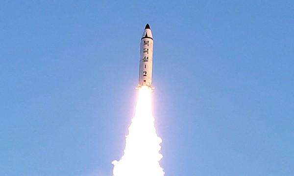 Triều Tiên phóng tên lửa đạn đạo cuối tuần qua. Ảnh:KCNA