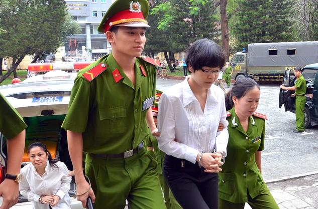 Tòa phúc thẩm cho rằng, số tiền 1.085 tỷ đồng là do Huỳnh Thị Huyền Như tham ô của VietinBank chứ không phải lừa đảo, chiếm đoạt tài sản. Ảnh: T.Thạnh