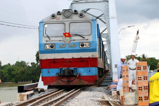 Ban QLDA đường sắt khu vực 1 cho biết, việc đấu thầu tại Tổng công ty Đường sắt đã được cấp trên cho phép thực hiện theo cơ chế riêng bằng văn bản. Ảnh: Hoài Nam