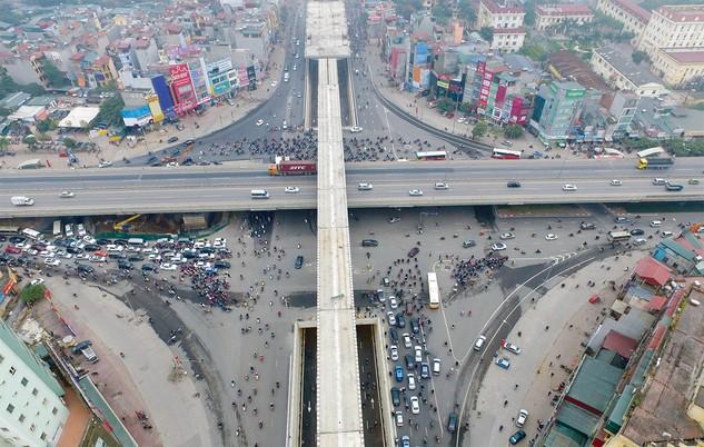 Tuyến đường sắt đô thị Cát Linh - Hà Đông cơ bản đã hoàn thành, dự kiến tháng 9/2017 sẽ chạy thử liên động. Ảnh: Tường Lâm