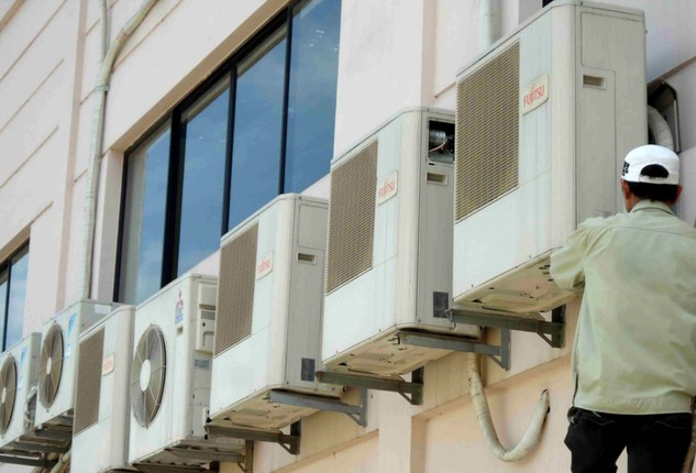 Trước khi được chỉ định 41 gói thầu mua sắm điều hòa nhiệt độ, Công ty CP Dịch vụ kỹ thuật công nghệ Hà Nội đã từng thực hiện nhiều gói thầu tại Viễn thông Sơn La. Ảnh: Khải Phong