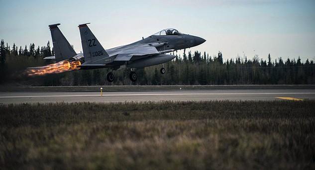 Chiến đấu cơ F-15 Eagle của Không quân Mỹ (Ảnh: Sputnik)