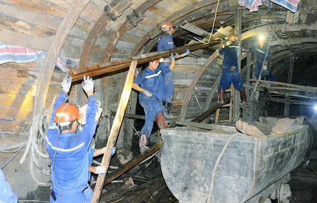 Sắp đưa lò chợ đầu tiên Dự án Hầm lò mỏ Núi Béo vào hoạt động