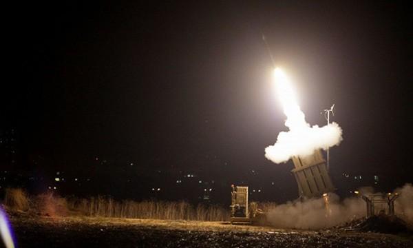 Hệ thống tên lửaphòng không Vòm sắt của Israel khai hỏa. Ảnh:Times of Israel