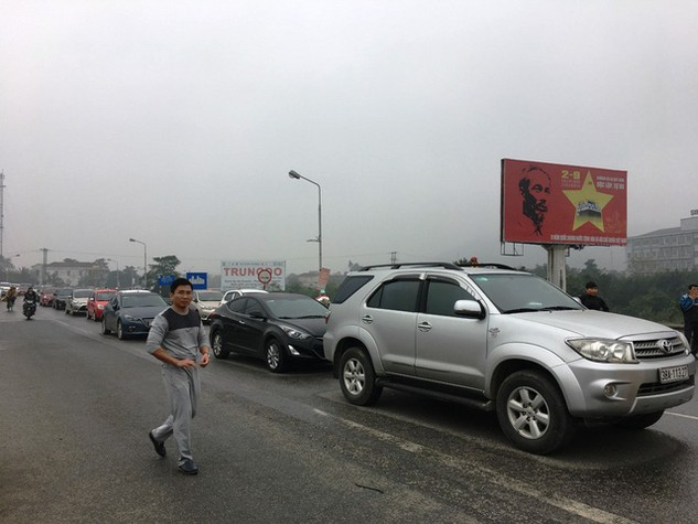 Sáng 17/3, trong văn bản mới gửi tới các địa phương, Cienco 4 đã phải rút lại yêu cầu bắt người dân cam kết không đi vào đường BOT (ảnh: PV)