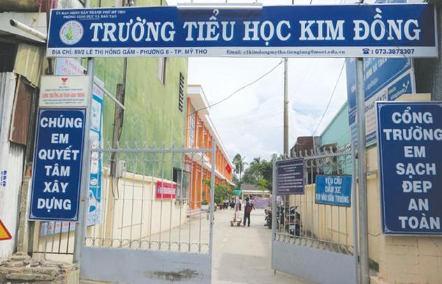 Đoàn công tác của Ngân hàng Thế giới phát hiện, tại gói thầu xây 3 trường tiểu học, một số nhà thầu có giá dự thầu cạnh tranh đã bị loại vì những sai sót nhỏ mà không được làm rõ. Ảnh: Văn Huyền