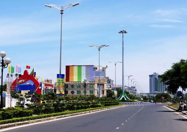 Trong số 1.865 gói thầu thực hiện lựa chọn nhà thầu trong năm 2016 tại Phú Yên chỉ có 82 gói thầu đấu thầu rộng rãi. Ảnh: Vũ Hà Duy