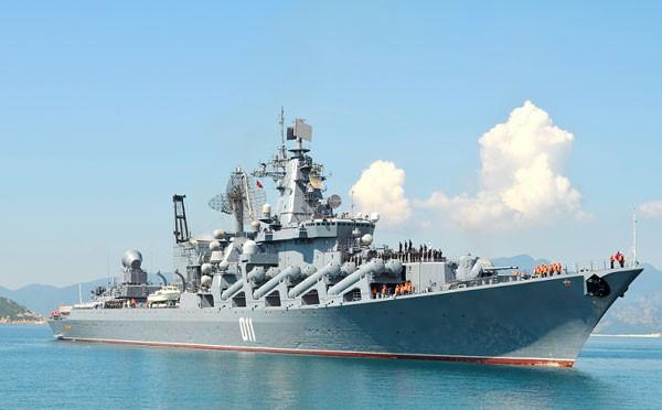 Tuần dương hạm Hải quân Nga thăm Cảng Cam Ranh