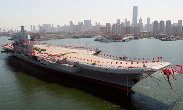 Trung Quốc hôm qua hạ thủy tàu sân bay001A tạixưởng đóng tàu Đại Liên. Ảnh:Xinhua