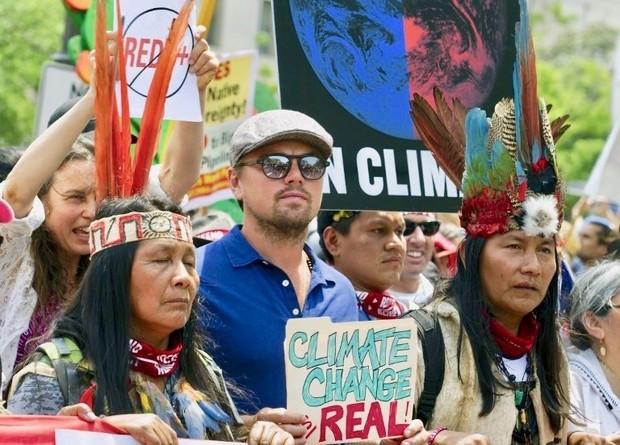Biểu tình phản đối chính sách môi trường của ông Trump ở Washington (Ảnh: ABC News)