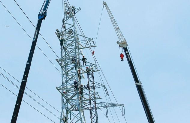 Giai đoạn 2016 - 2030, không tính các nguồn điện BOT thì Việt Nam cần khoảng 148 tỷ USD vốn đầu tư cho phát triển nguồn và lưới điện. Ảnh: Thế Anh