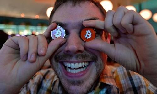 Bitcoin đã tăng giá 130% từ đầu năm. Ảnh:AFP