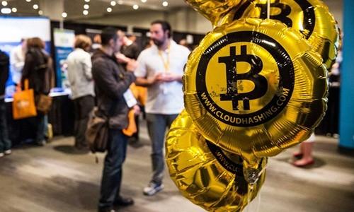 Bitcoin đang được nhà đầu tư châu Á ưa chuộng. Ảnh:AFP
