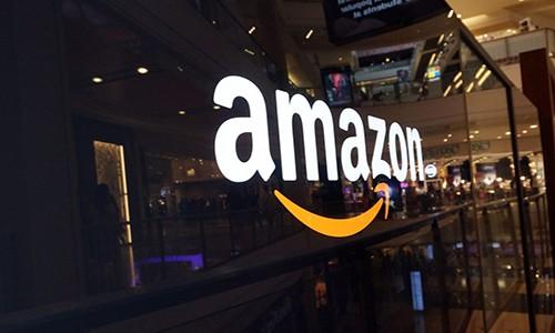 Amazon hiện đang thống trị thị trường thương mại điện tử trên toàn cầu.