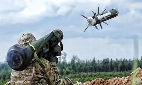 Tên lửa chống tăng Javelin đang được quân đội NATO sử dụng rộng rãi. Ảnh:Euronews