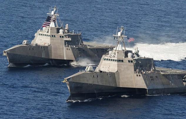 Hai tàu của Hải quân Mỹ (Ảnh: Abridgeme.com)