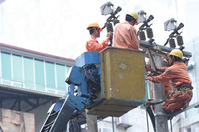 Khi nhà thầu vi phạm hợp đồng, chủ đầu tư chấm dứt hợp đồng và chỉ định nhà thầu khác thực hiện công việc còn lại của gói thầu. Ảnh: Nhã Chi