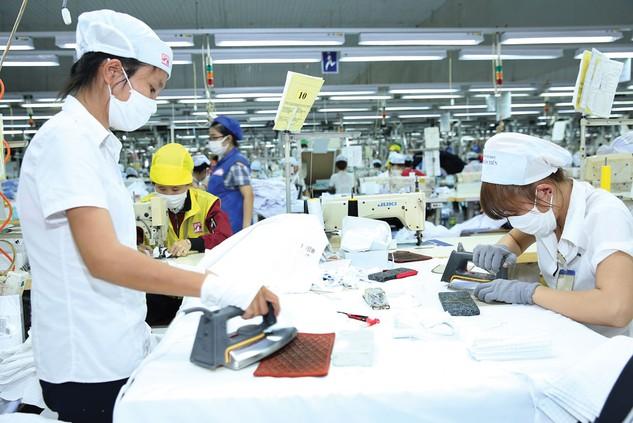 Với kinh tế Việt Nam hiện nay, dư địa để tạo ra thêm 0,3 - 0,5 điểm phần trăm tăng trưởng để đạt khoảng 6,7 - 6,8%/năm trong vòng 1 - 2 năm không phải quá khó. Ảnh: Trần Chiến
