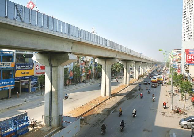 UBND TP. Hà Nội được đề nghị nghiên cứu thêm hình thức, cơ chế nhà đầu tư tham gia quản lý, khai thác các dự án đường sắt đô thị. Ảnh: Lê Tiên