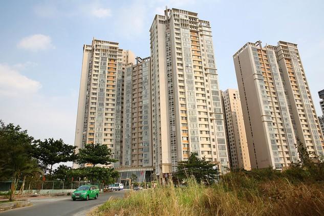 Tại TP.HCM, nhiều dự án chung cư đã hoàn thành lại rẻ hơn so với dự án mới triển khai. Ảnh: Lê Tiên