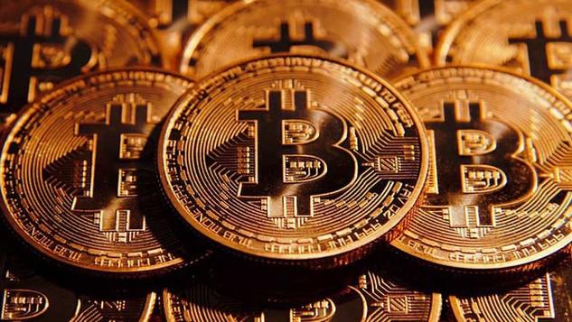 """Giá Bitcoin tăng vọt trở lại, vốn hóa """"hồi"""" 10 tỷ USD"""