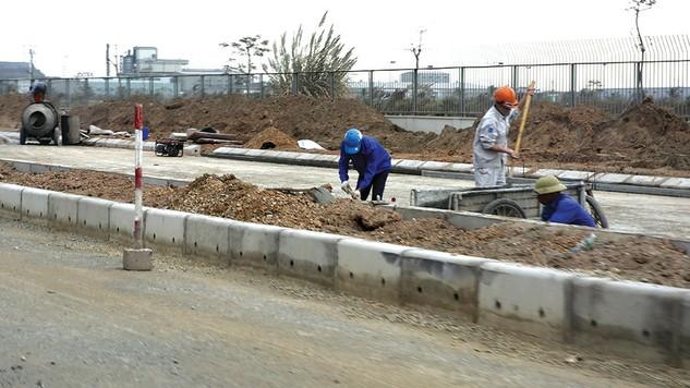 Theo kế hoạch, thời gian thực hiện hợp đồng Dự án BT Xây dựng tuyến đường Lý Thường Kiệt, TP. Vinh là 18 tháng. Ảnh: Đặng Tâm