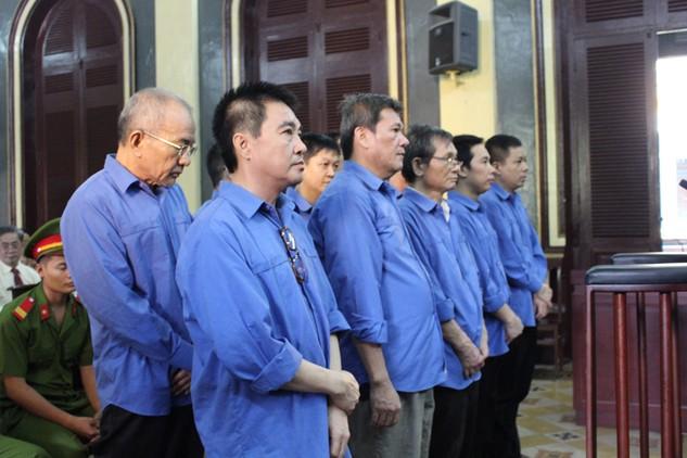 Các bị cáo trong phiên tòa xét xử vụ án Agribank Chi nhánh 6. Ảnh: Ngọc Lê