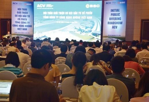 Hơn 300 tổ chức và cá nhân đã tham dự buổi roadshow của Tổng công ty Cảng hàng không Việt Nam