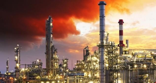 Nhà máy lọc dầu - Ảnh: Shutterstock