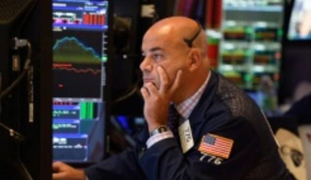 Phiên bán tháo hôm thứ Tư đẩy chỉ số S&P 500 xuống mức thấp nhất 3 tháng (Ảnh: AFP)