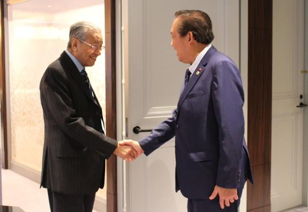 Phó Thủ tướng tiếp xúc lãnh đạo các nước dự Hội nghị Tương lai châu Á - ảnh 1