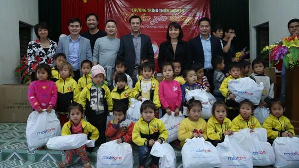 Công đoàn Cục QLĐT trao quà từ thiện tại Tuyên Quang - ảnh 2