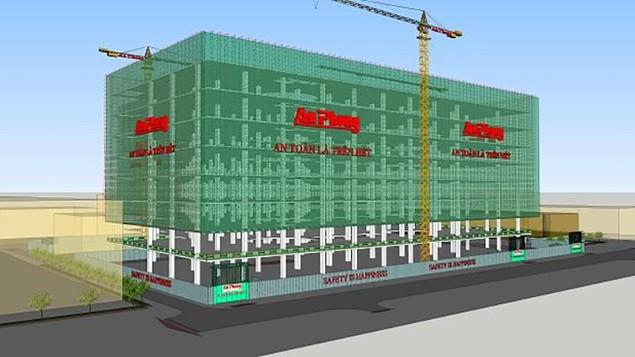 TP.HCM: Sập giàn giáo công trình Trung tâm thương mại Sư Vạn Hạnh - ảnh 1