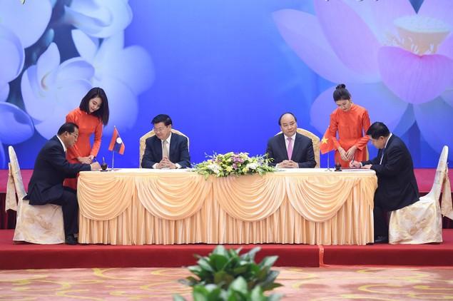 Lần đầu tiên Thủ tướng Việt, Lào chủ trì họp Ủy ban liên Chính phủ - ảnh 4