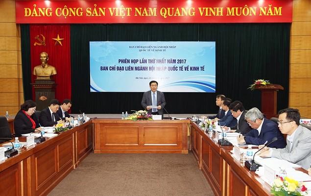 Phó Thủ tướng yêu cầu đề xuất chính sách cho hàng loạt vấn đề hội nhập - ảnh 1