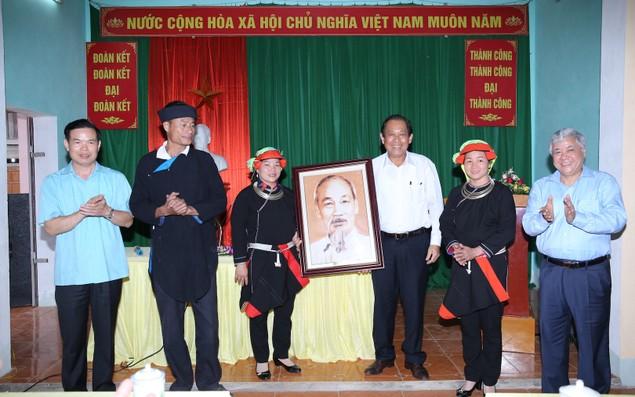 Phó Thủ tướng Thường trực thăm bà con thôn Bản Bang, Hà Giang - ảnh 1