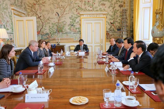 Chuyến thăm Anh thành công của Phó Thủ tướng Trịnh Đình Dũng - ảnh 1