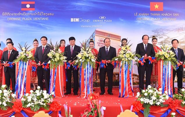 Thủ tướng gặp mặt các doanh nghiệp Việt Nam đầu tư tại Lào - ảnh 2